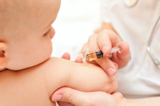Mituri si adevaruri despre vaccinarea bebelusilor