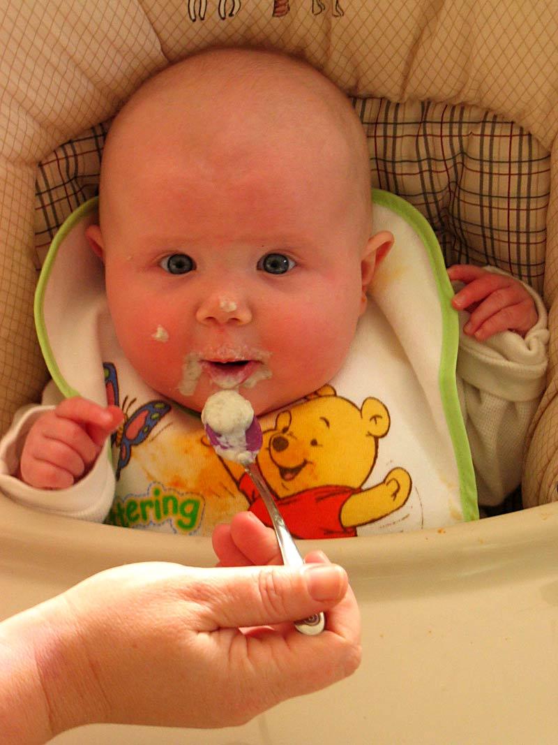diversificarea la bebelusi alimentati la san