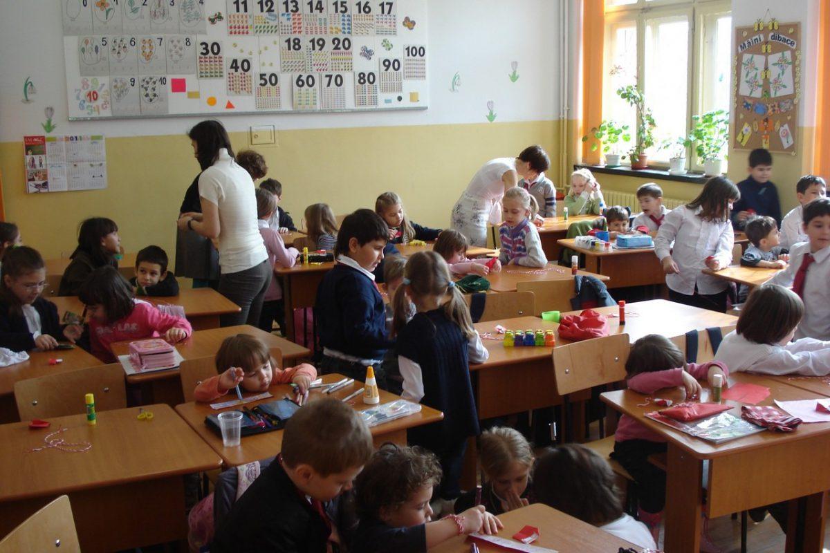 documentele_medicale_pentru_inscrierea_copiilor_la_cresa_gradinita_scoli-1200x800.jpg