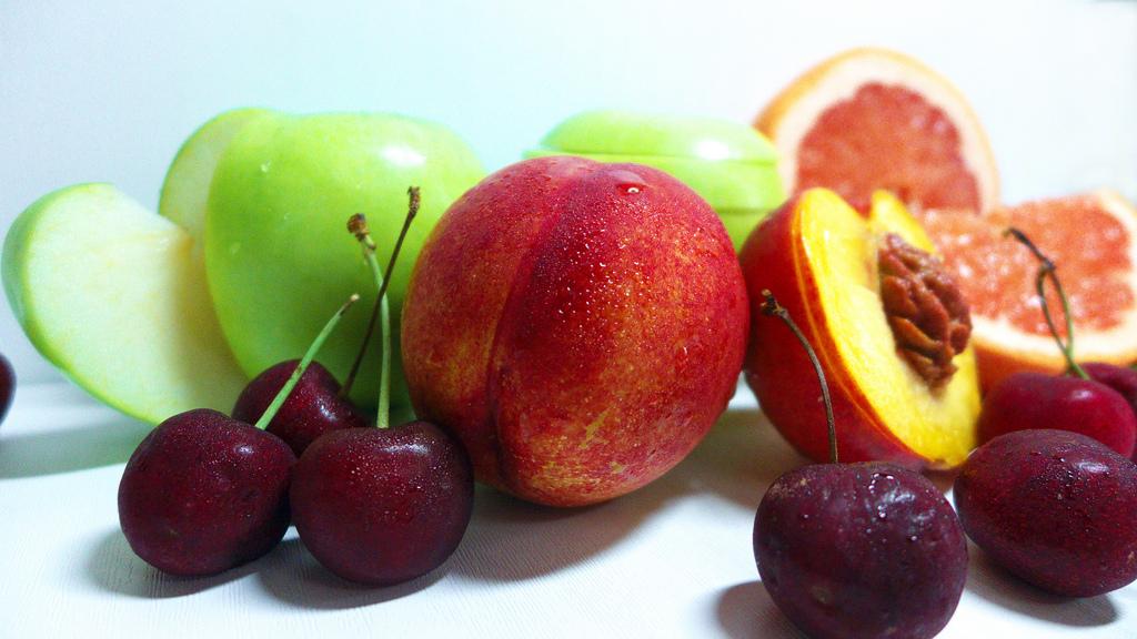zece_pasi_pentru_alimentatia_sanatoasa_a_familiei_mele_despre_fructe.jpg